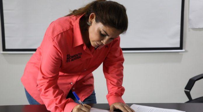 Legislará Karina Barrón centros especiales para embarazadas