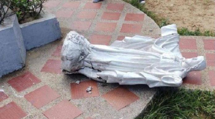 Muere niña aplastada por estatua del Sagrado Corazón