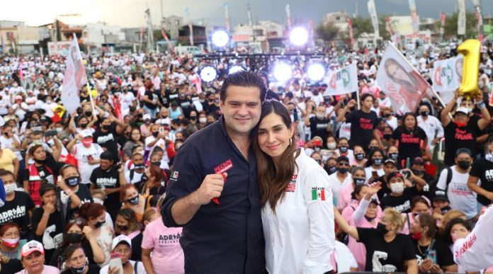 Realiza Paco Cienfuegos última reunión de campaña con vecinos del poniente de Monterrey