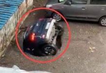 VIDEO_ Socavóngigante se traga auto en laIndia (1) copia