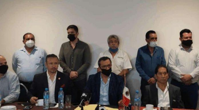 Se 'resquebraja' Morena en Nuevo León; acusan de traición y fuego amigo
